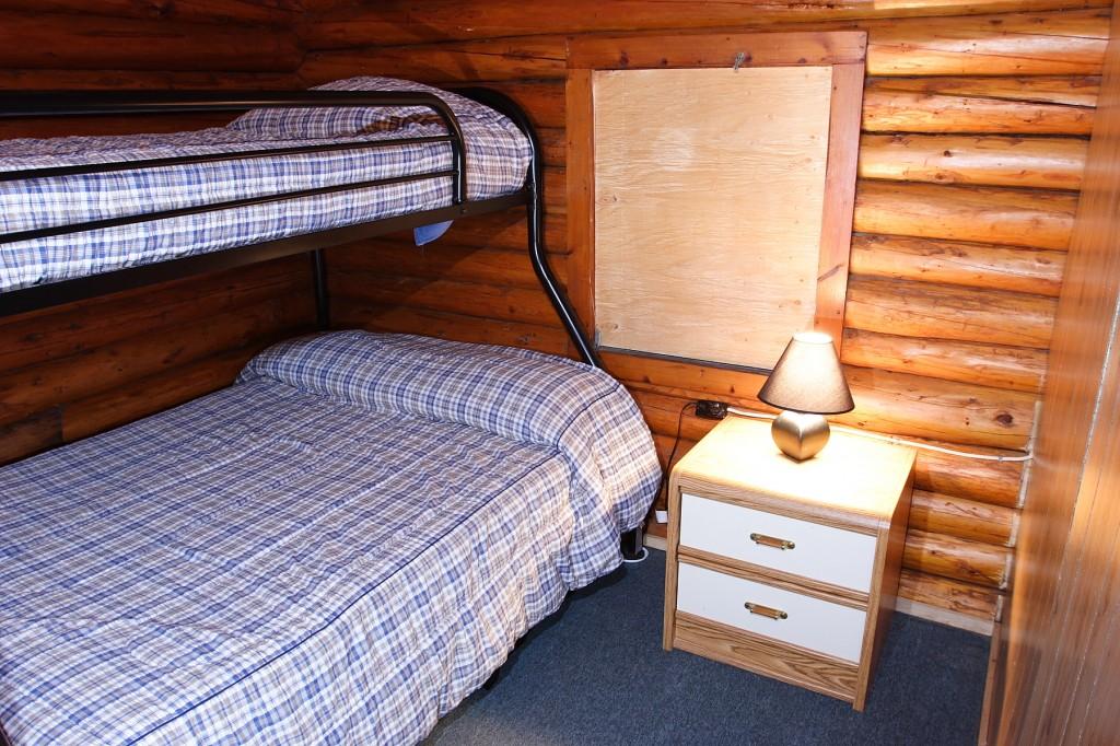cabin83
